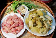 Món dưa xào bao tử cá Basa vừa ngon vừa rẻ